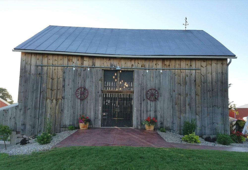 The Ridge View Barn: 15046 Tyrone Ave, Kent City, MI