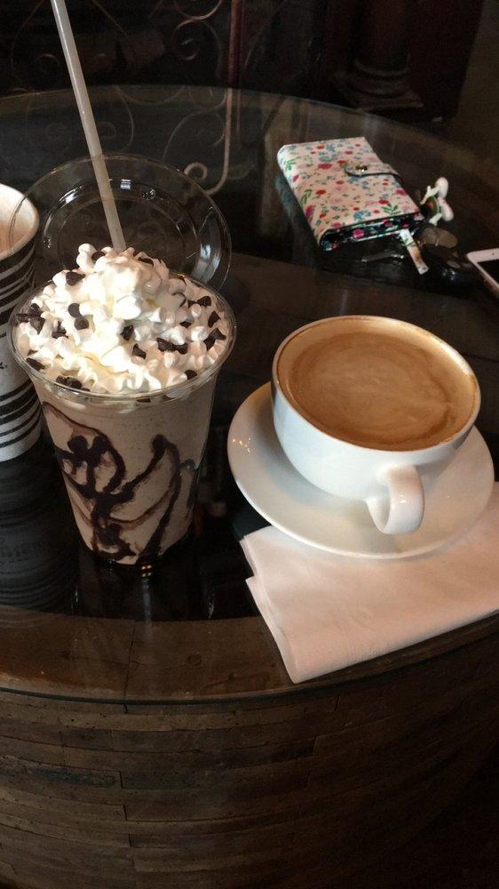 Krank Koffie: 103 S 6th St, Brownfield, TX