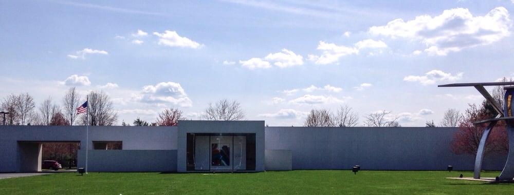 Butler Institute of Art: 9350 E Market St, Warren, OH