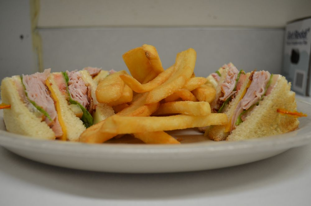 Columbia Portage Grill: 3223 Bret Clodfelter Way, The Dalles, OR