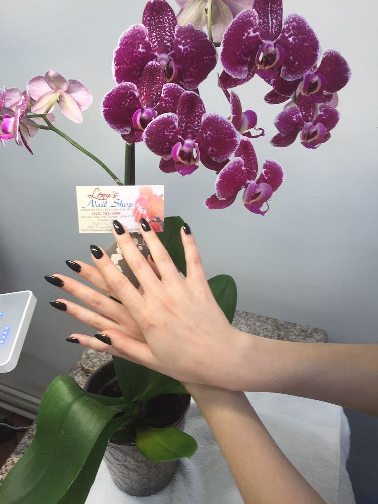 Lena's Nails