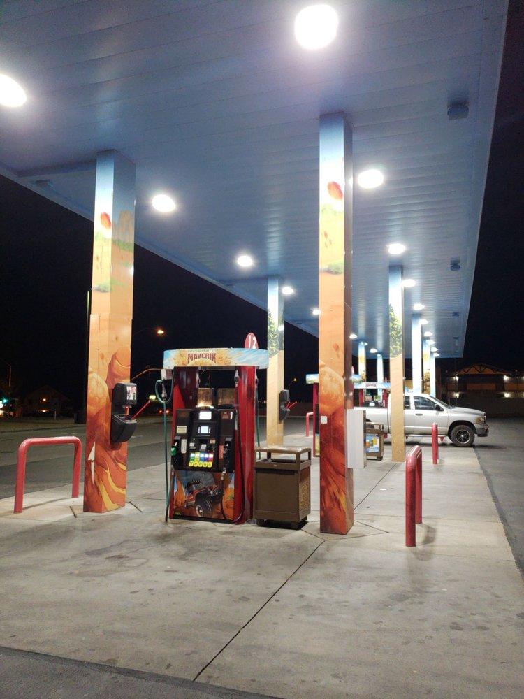 Maverick Country Store: 715 N Beeline Hwy, Payson, AZ