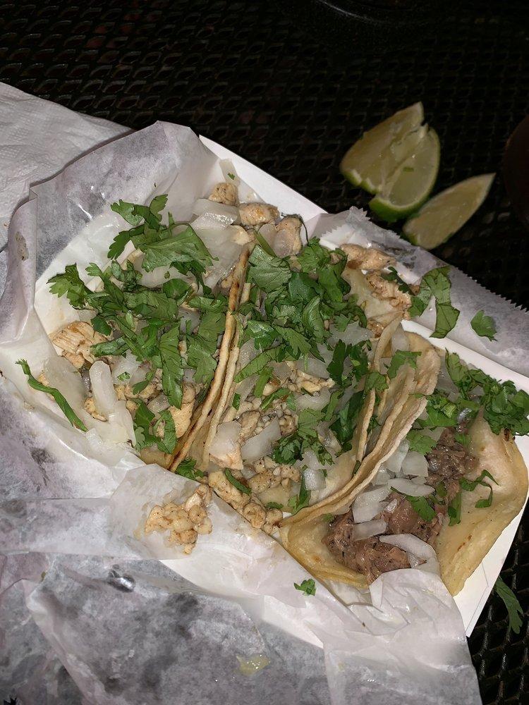 La Carreta Mexican Grill: 308 Iowa Ave E, Marshalltown, IA