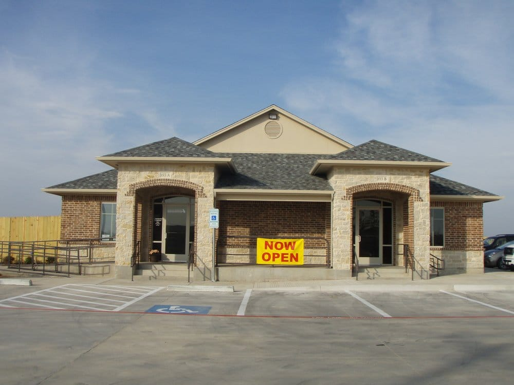 Nolan River Animal Hospital: 893 N Nolan River Rd, Cleburne, TX