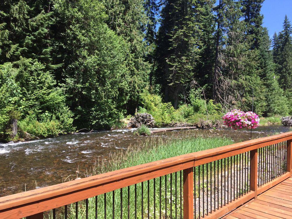 Donatello's  At Marion Forks: 34970 Oregon 22, Idanha, OR