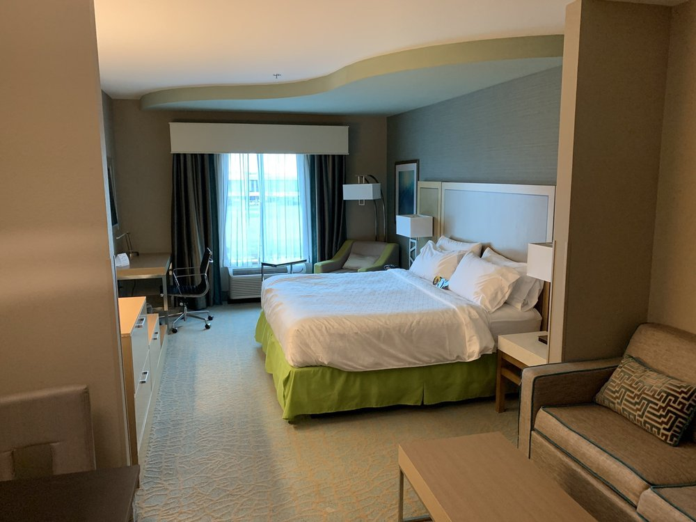 Holiday Inn Express & Suites Warner Robins North West