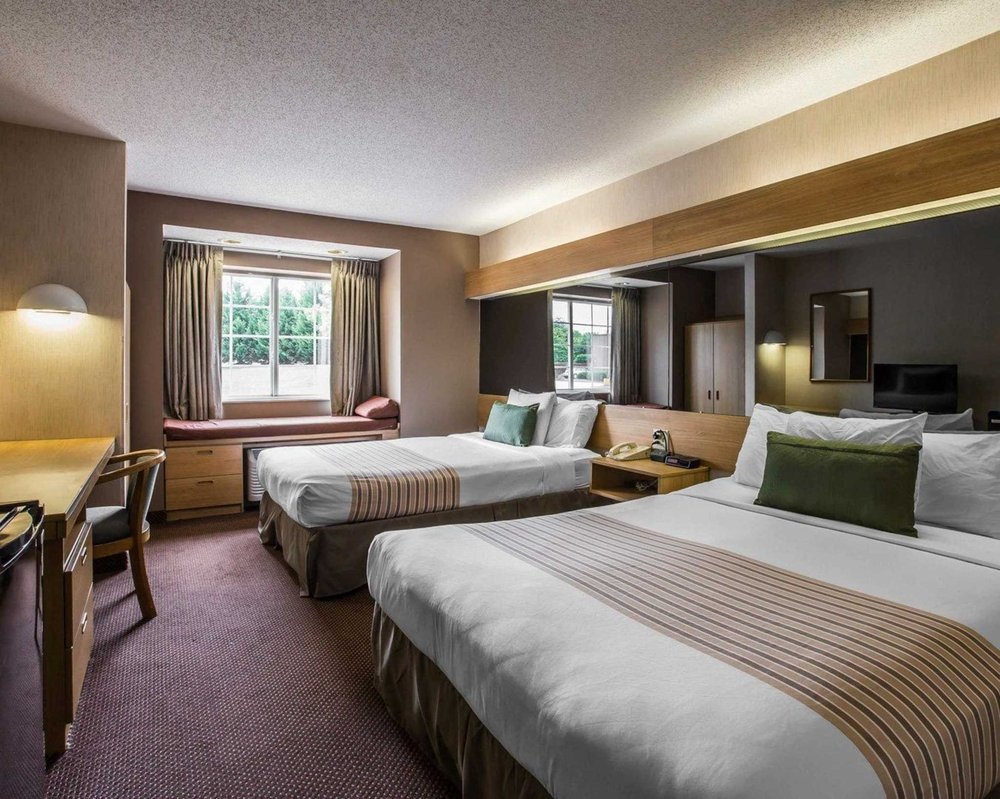 Econo Lodge Inn & Suites: 20 Interstate Ct, Greenville, SC
