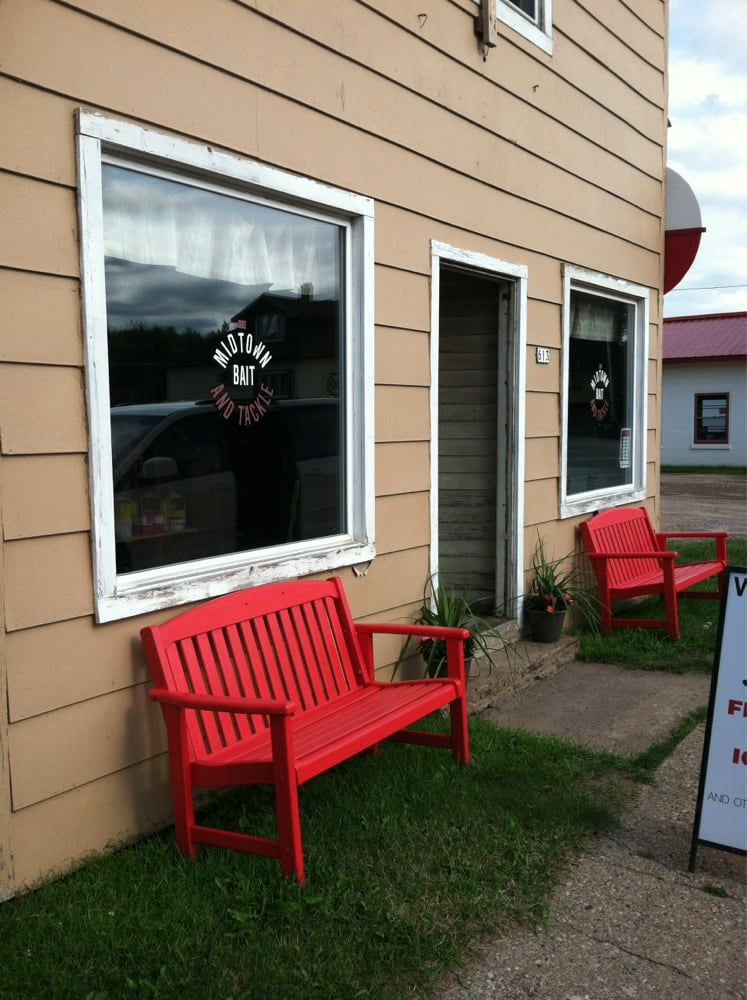 Midtown Bait & Tackle: 613 Railroad Ave, Channing, MI
