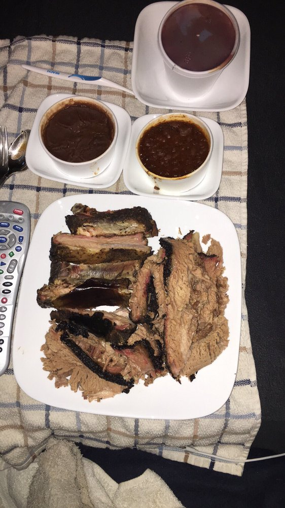 Fatboys BBQ: 15 Texas Hwy 24 N, Cooper, TX