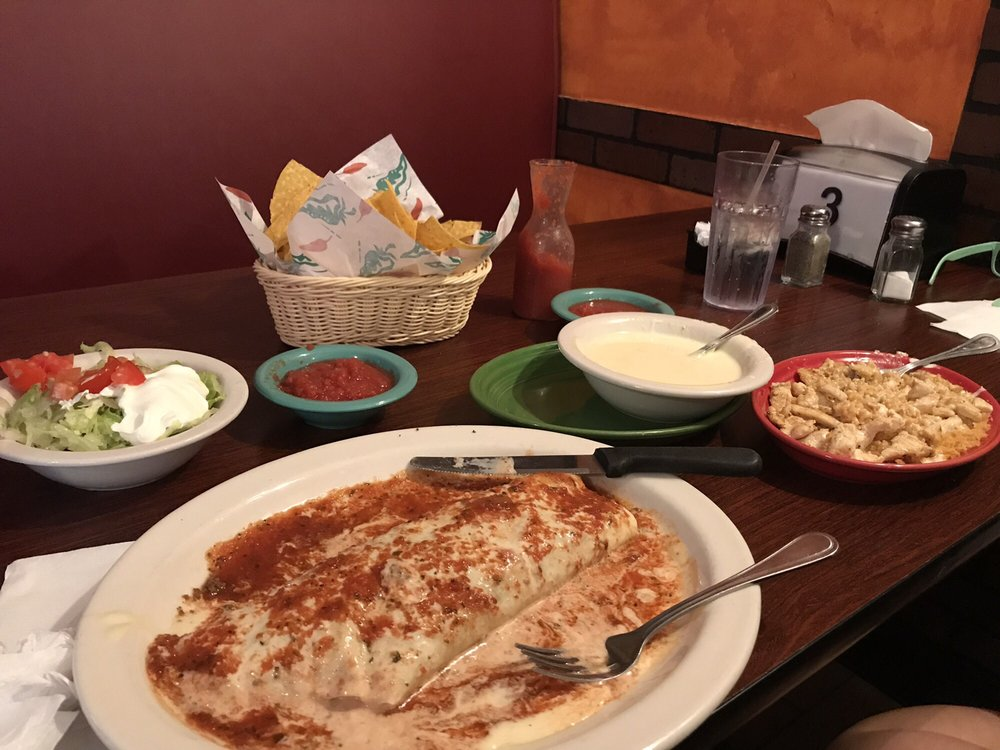 Las Palmas Mexican Restaurant & Bar: 1339 Peach Orchard Rd, Sumter, SC