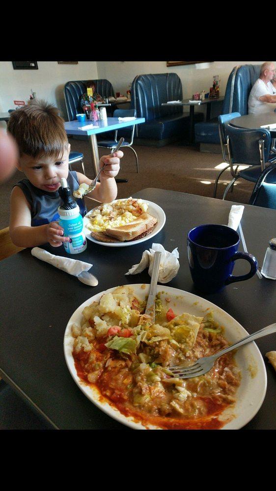 A J's Restaurant: 727 US Hwy 314 SW, Los Lunas, NM
