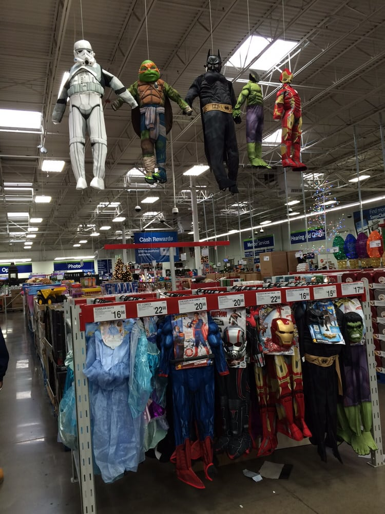 Very cool way to display Halloween costumes at Sam\'s Club, Morse ...