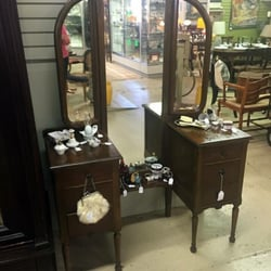 Superieur Photo Of Hanna Antiques Mall   Birmingham, AL, United States. Antique  Vanity With