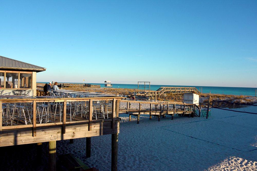 Windjammers on the Pier