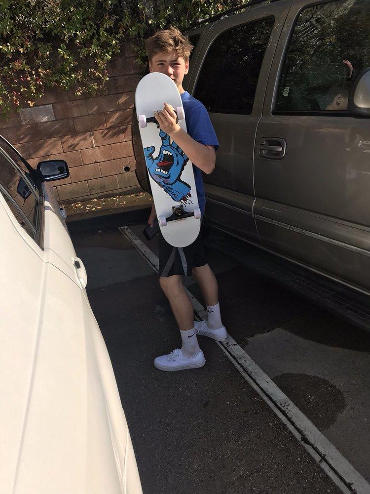 Milo Snow and Skate: 905 Lincoln Way, Auburn, CA