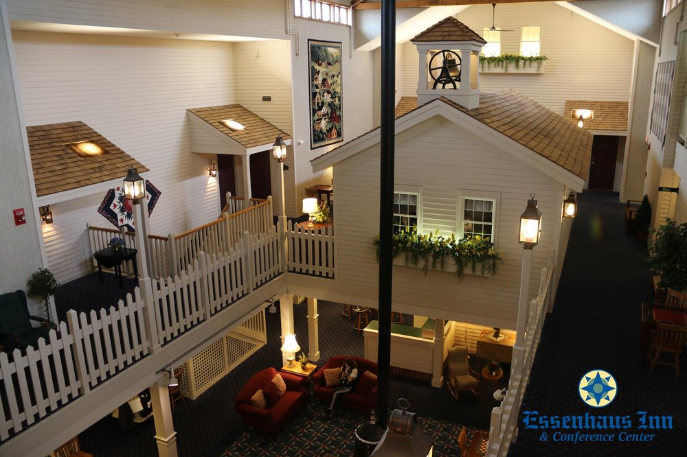 Essenhaus Inn & Conference Center: 240 US Hwy 20, Middlebury, IN
