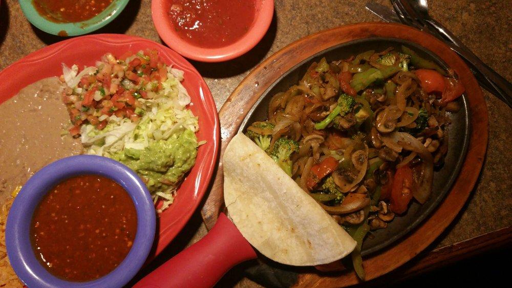 Salsa's Grill: 965 Hwy 62 E, Mountain Home, AR