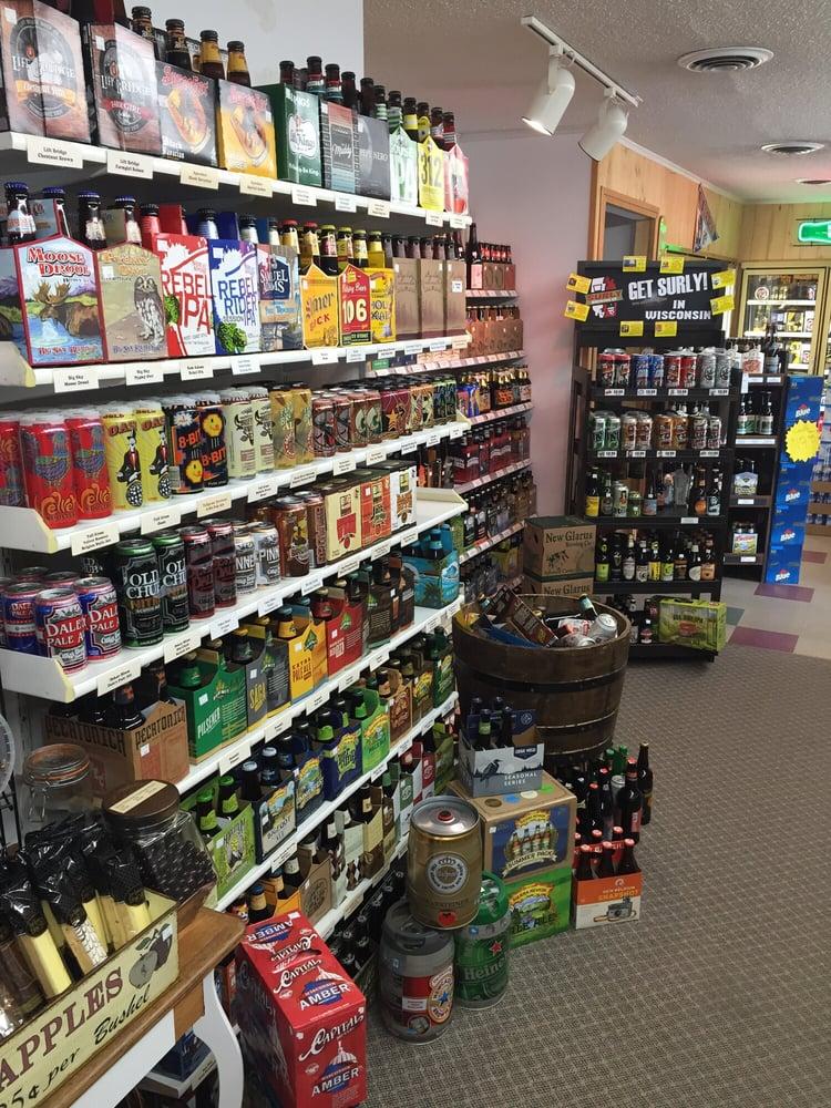 Village Dell & Wine Shop: 819 Hammond Ave, Rice Lake, WI