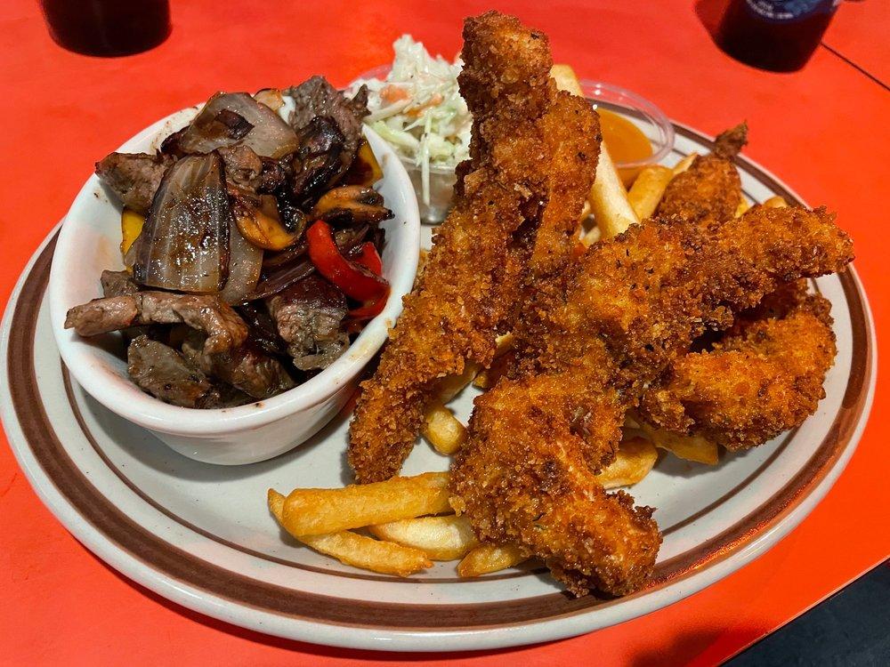 Chuck Wagon Restaurants: 2 Depot St, Livermore Falls, ME