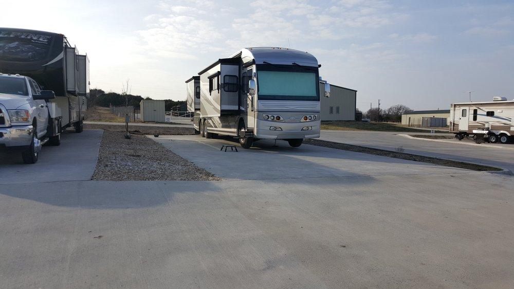 Fort Worth RV Park: 5304 Gebron Dr, Fort Worth, TX