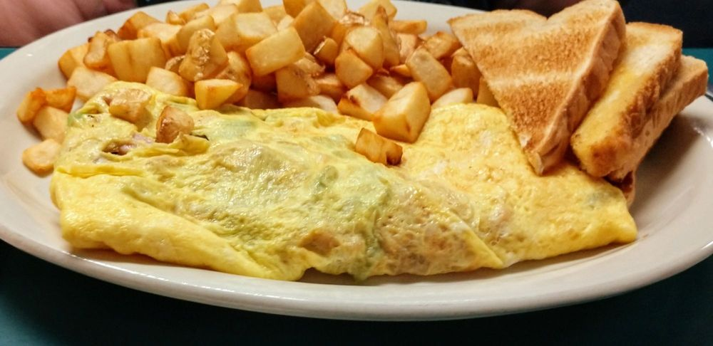 Martha Jean's Diner: 5419 Highway 367 S, Beebe, AR
