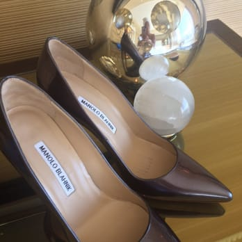 where can i buy manolo blahnik shoes in las vegas