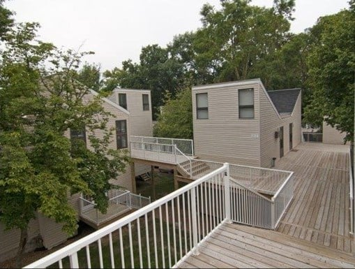 Aspen Oaks Apartments: 111201-111248 Village Rd, Chaska, MN