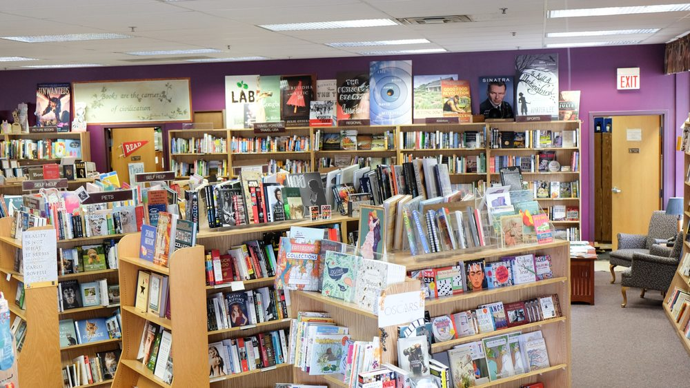 Books & Company: 1039 Summit Ave, Oconomowoc, WI