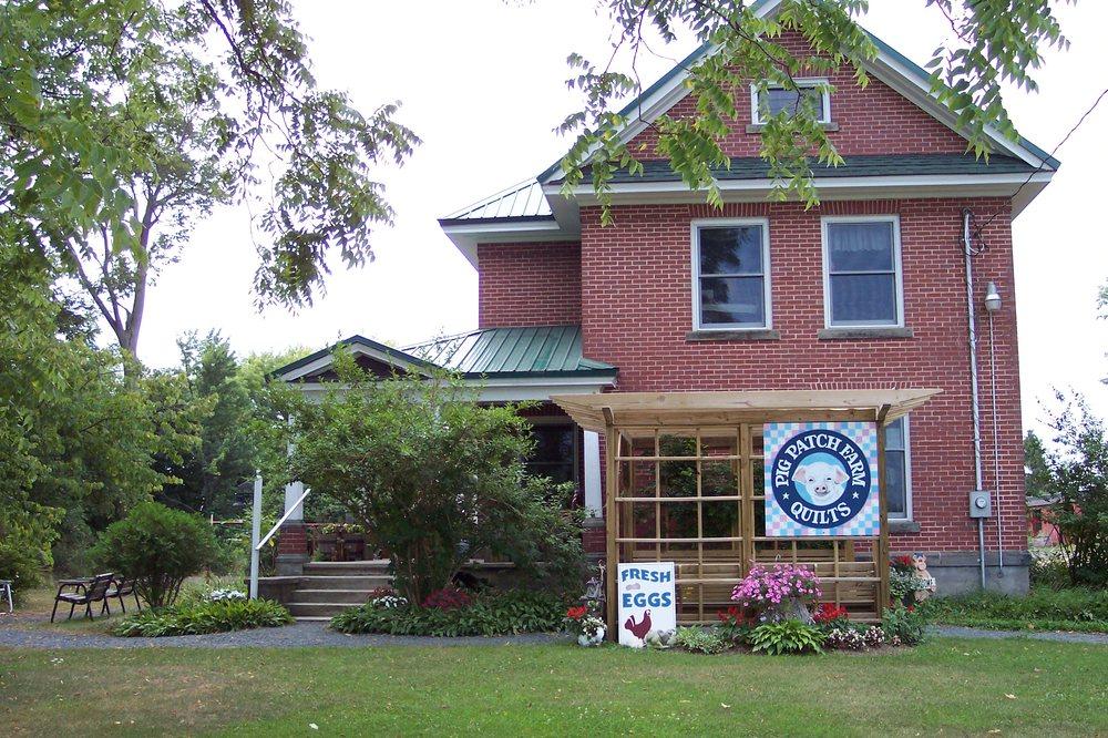 Pig Patch Farm Quilts: 3007 E Hansen Rd, Custer, MI