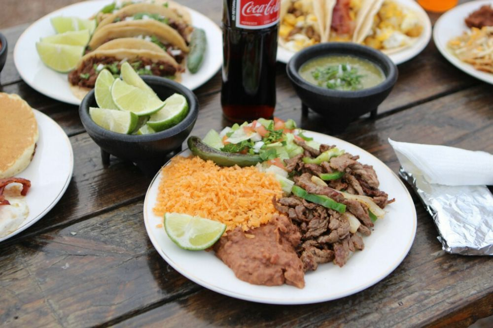 Taqueria San Luis: 2730 E Cesar Chavez St, Austin, TX