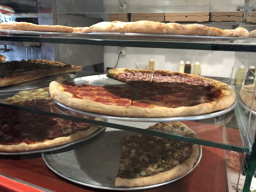 Vinny's pizza: 312 West Bay Dr, Largo, FL