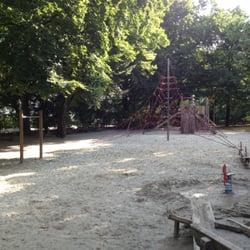 spielplatz im alten botanischen garten playgrounds sophienstr 28 maxvorstadt munique. Black Bedroom Furniture Sets. Home Design Ideas