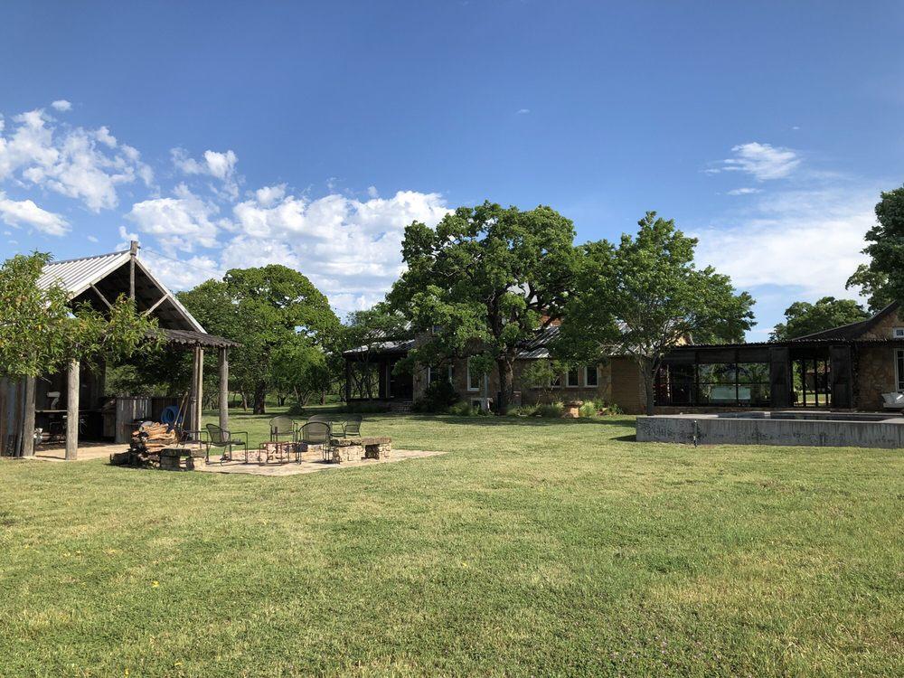 Rancho Loma: 2969 Cr 422, Valera, TX