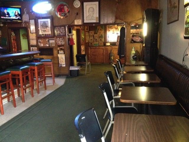 Dunphy's Tavern: 401 York St, Vallejo, CA