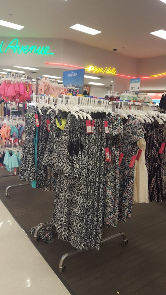 Target 11 rese as tienda departamental 2823 wilma for Target clarksville tn
