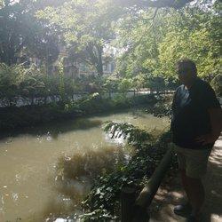 Jardin du Grand Rond - Botanical Gardens - Allées Jules Guesde ...