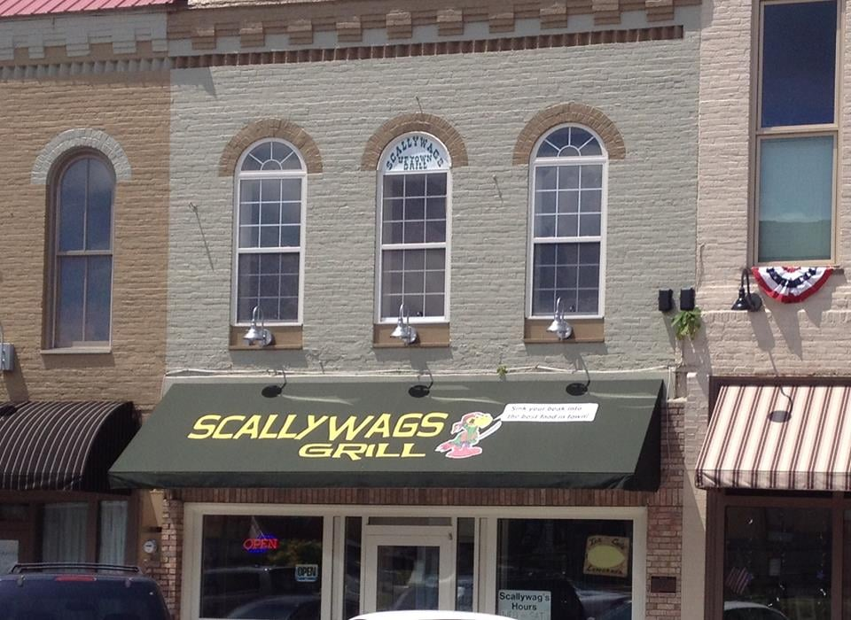 Scallywags Uptown Grill: 12 S Jefferson St, Winchester, TN