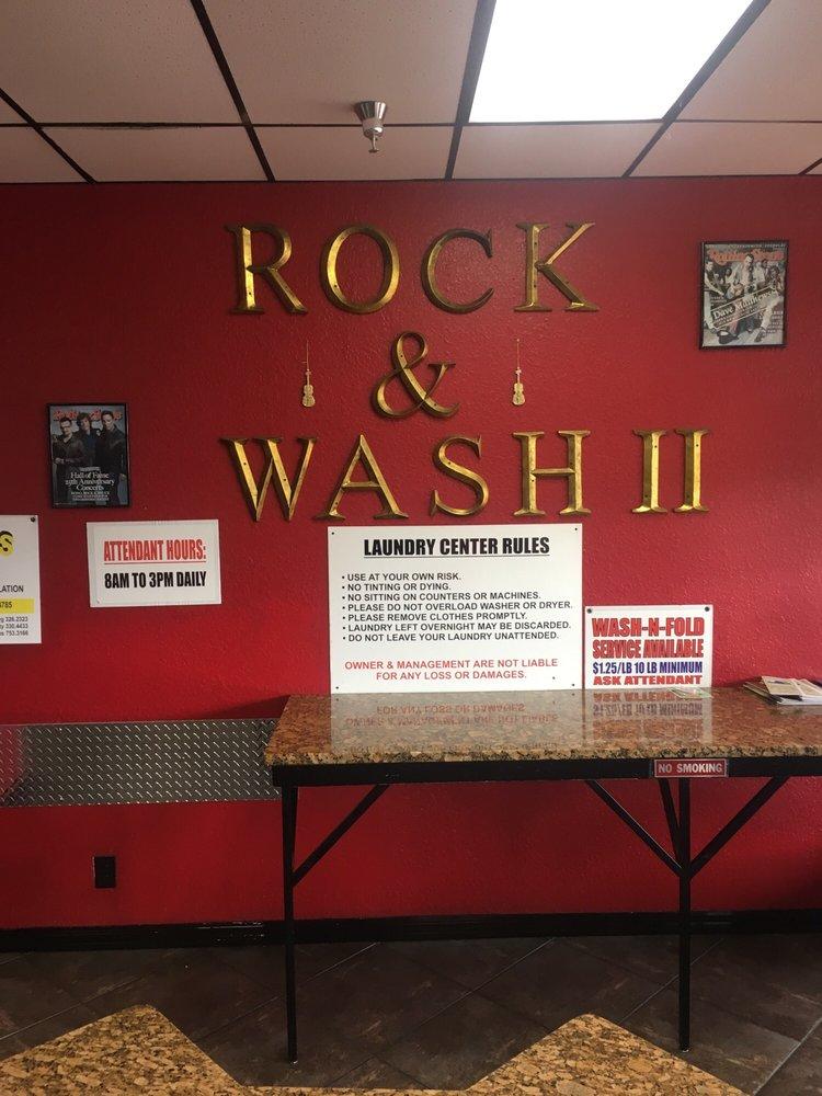 Bubbles Laundromat: 10477 SE US Highway 441, Belleview, FL