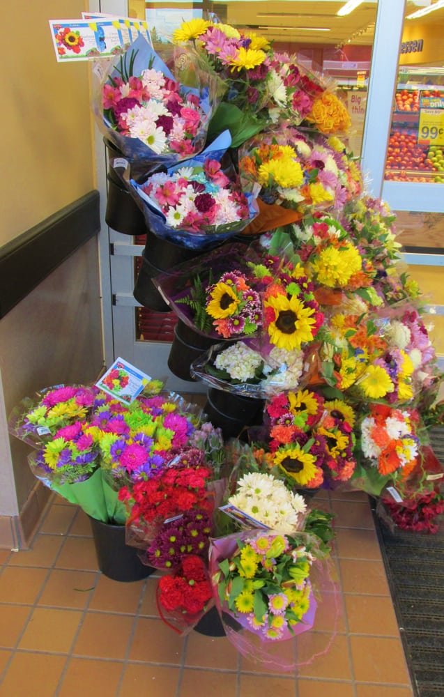 Hannaford Supermarkets: 180 Townsend Ave, Boothbay Harbor, ME