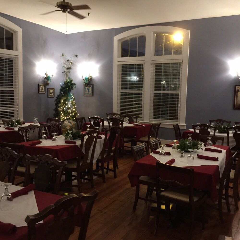 The Belmont Inn by OYO: 104 E Pickens St, Abbeville, SC