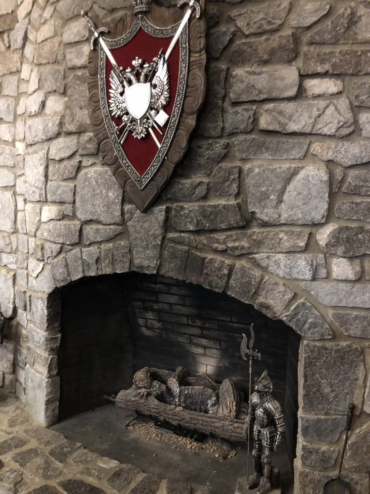 Ravenwood Castle: 65666 Bethel Rd, New Plymouth, OH