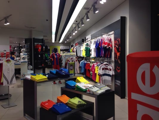 adidas outlet luz shopping