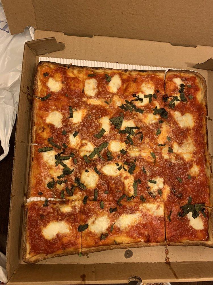 Food from Francesco's Pizzeria