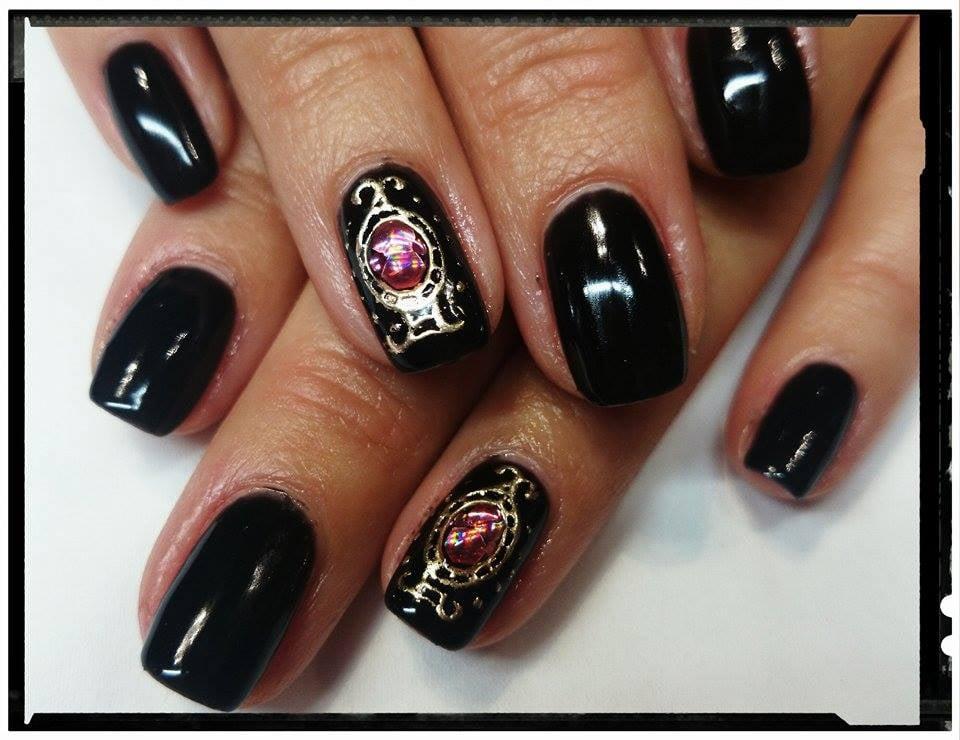 nail art met Mistero Milano Transfer Foil Gel Black en gouden folie ...
