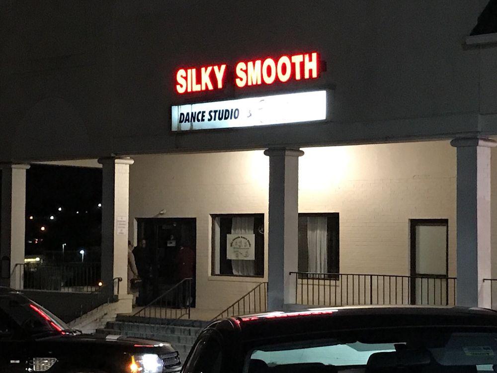 Silky Smooth Dance Studio: 13678 Jefferson Davis Hwy, Woodbridge, VA