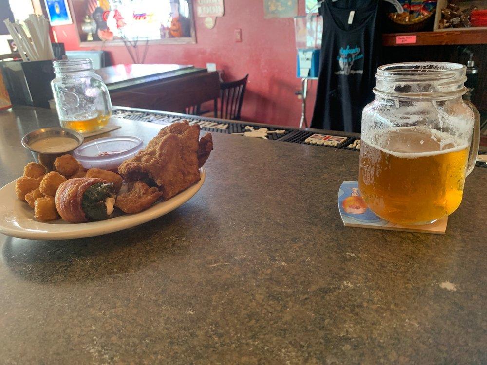 Longbranch Steakhouse & Saloon: 525 US Hwy 85, Hawk Springs, WY