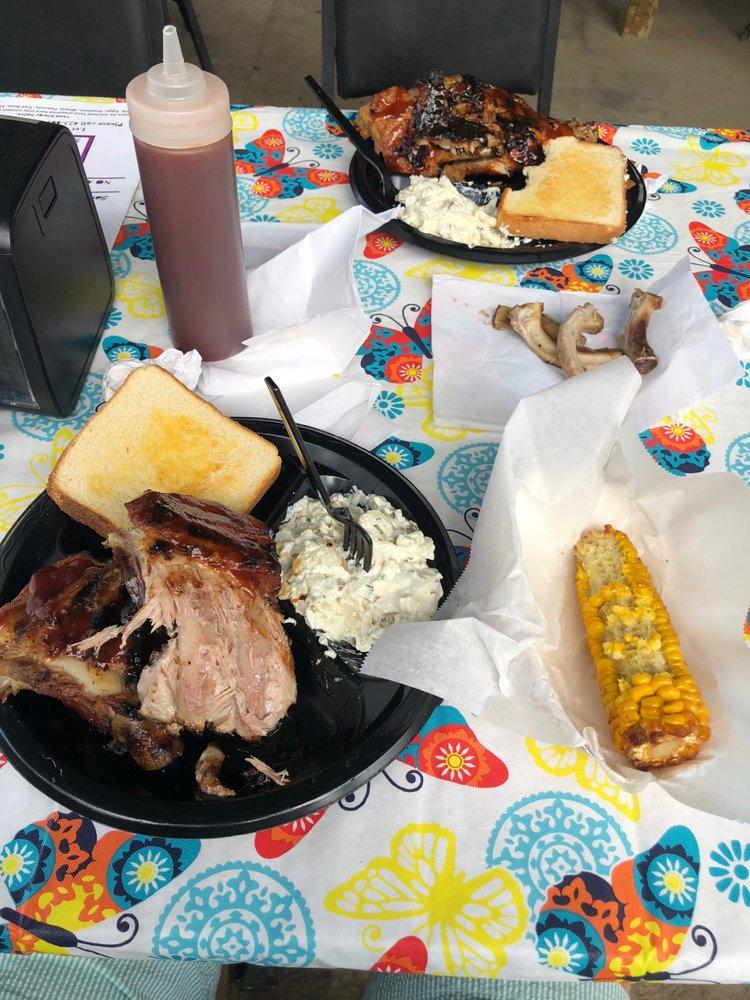 Heavy's BBQ: 233 Benfield Ln, Harrogate, TN