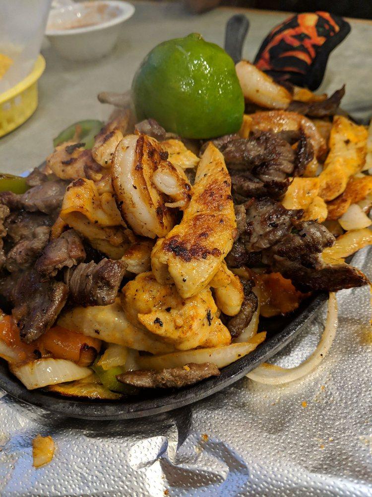 Food from Tacos Y Mariscos Vallarta