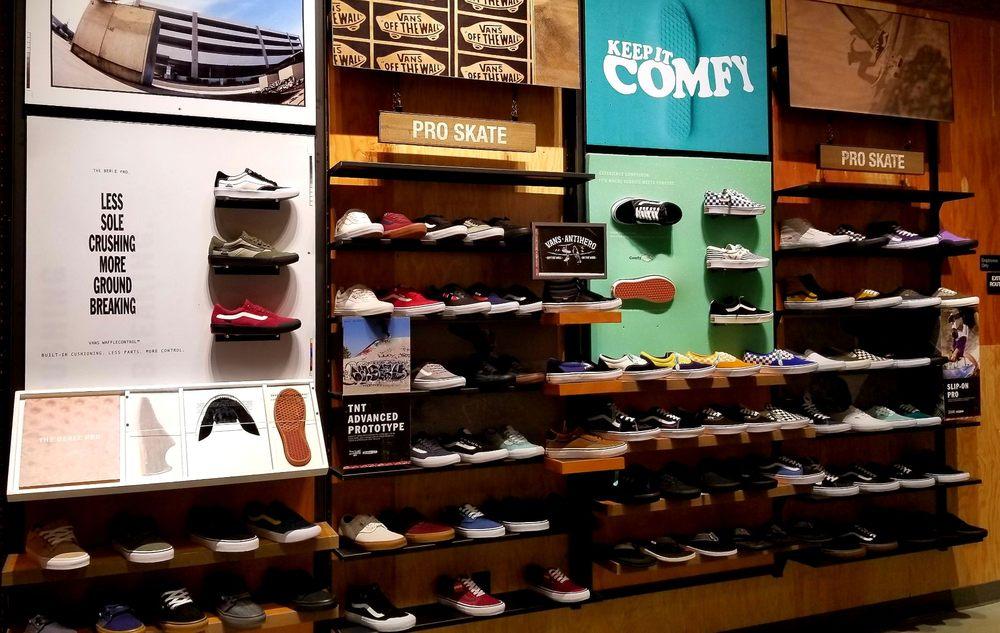 Vans 14 Photos Shoe S 7830 North Via Del Rio Fresno Ca Phone Number Yelp