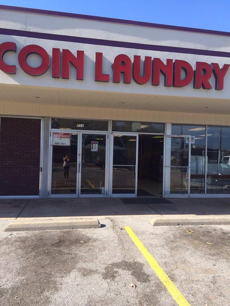 Coin Laundry: 711 Unoin Rd, Saint Louis, MO